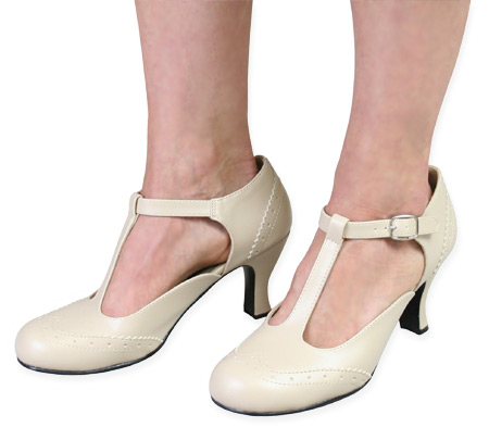 Vintage Ladies Ivory Faux Leather Shoes | Romantic | Old Fashioned | Traditional | Classic || Flapper Shoe - Cream