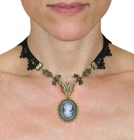 Steampunk Ladies Black,Gold Necklace | Gothic | Pirate | LARP | Cosplay | Retro | Vampire || Lace Necklace w/Cameo