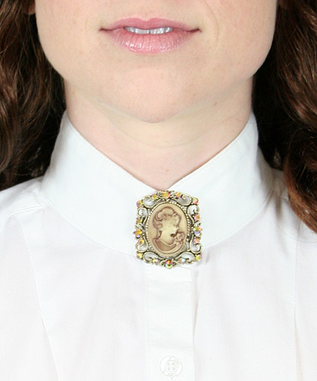 Vintage Ladies Gold Pin | Romantic | Old Fashioned | Traditional | Classic || Square Cameo Brooch - Gold