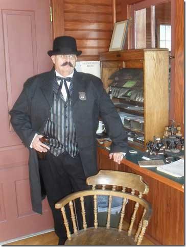 Customer photos wearing [Editors Pick] A Railroad Man