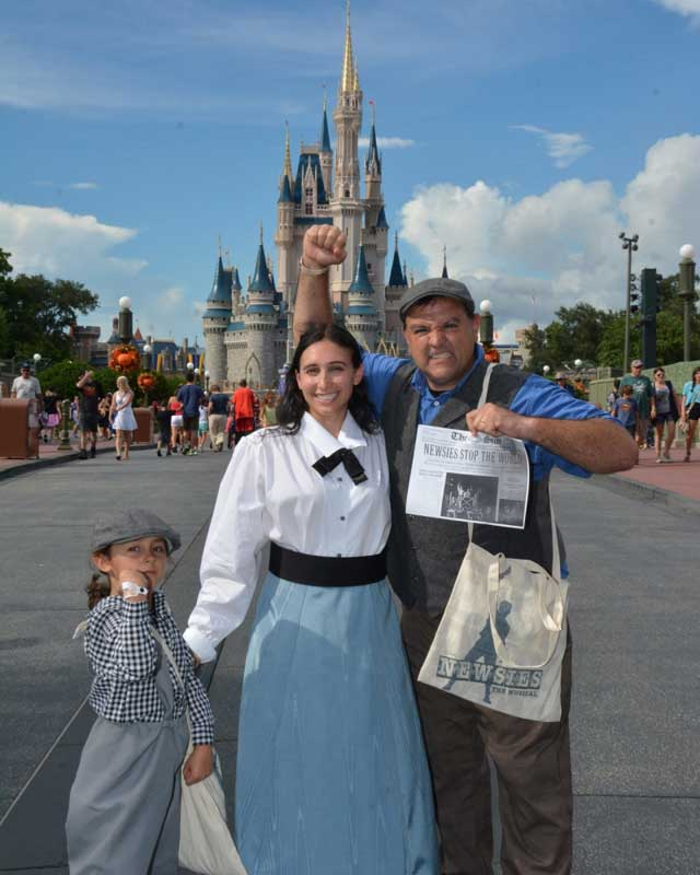 Customer photos wearing [Editors Pick] Newsies goes to Disney.