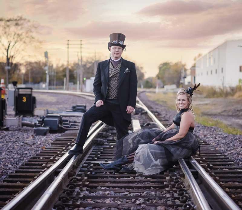 Customer photos wearing [Editors Pick] Newlyweds Hitting the Rails
