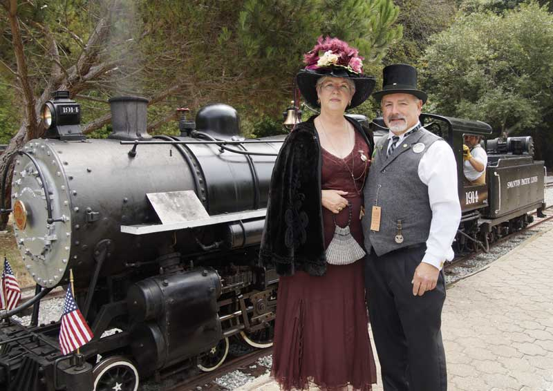 Customer photos wearing [Editors Pick] Passion for RailRoads