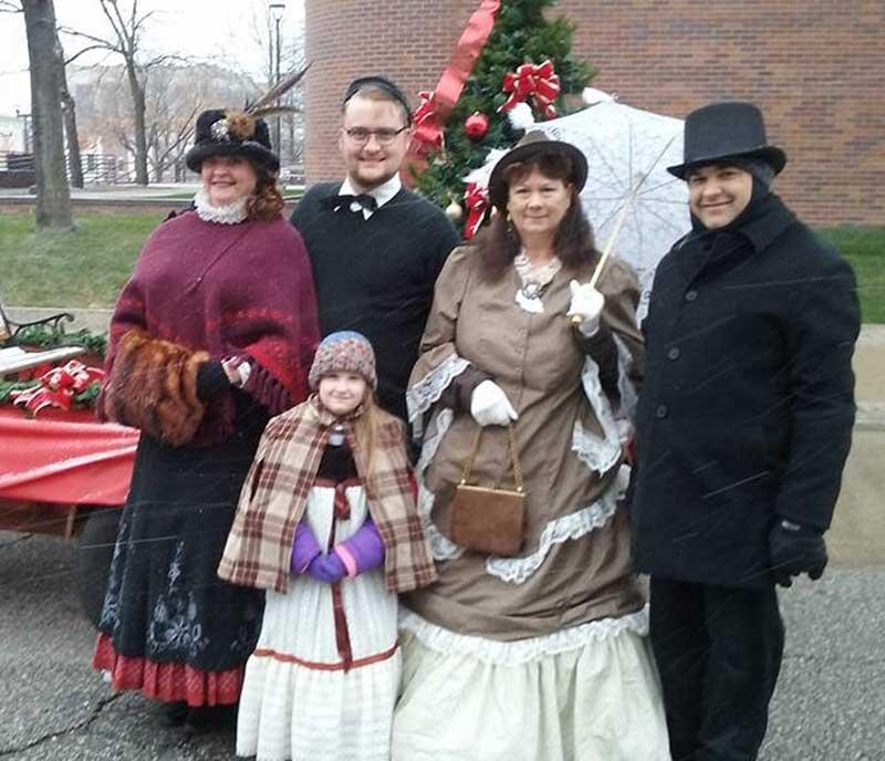 Customer photos wearing [Editors Pick] Christmas Parade