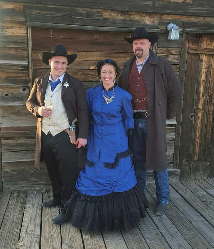 Customer photos wearing [Editors Pick] Western Fun