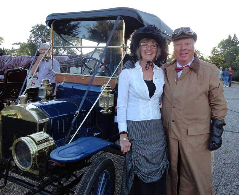 Customer photos wearing [Editors Pick] Antique Car Run