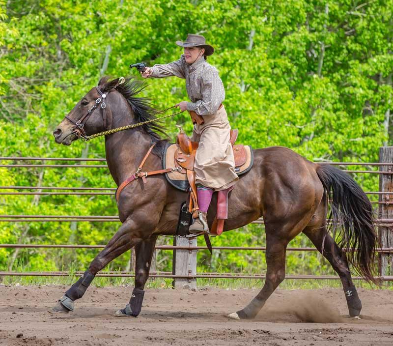 Customer photos wearing [Editors Pick] Cowgirl Mounted Shooting Star