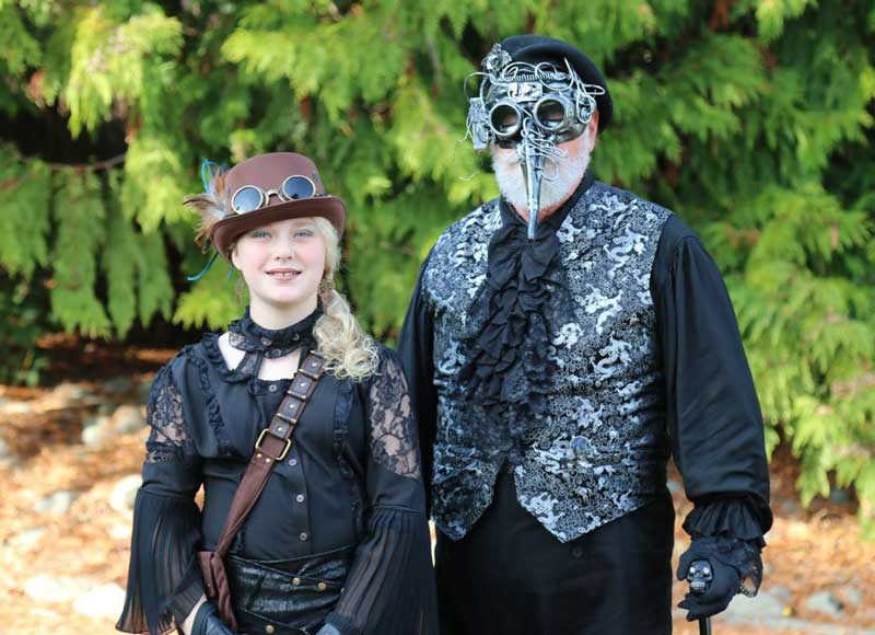 Customer photos wearing [Editors Pick] The Plague Doctor Is In!