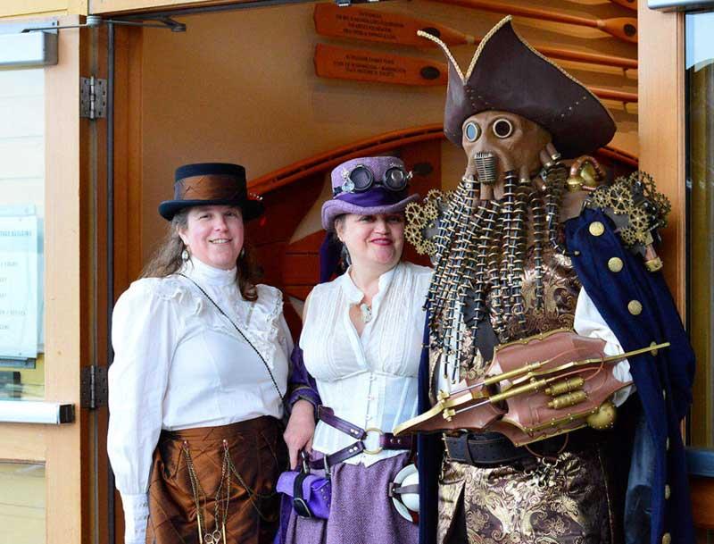 Customer photos wearing [Editors Pick] Davy Jones Awaits