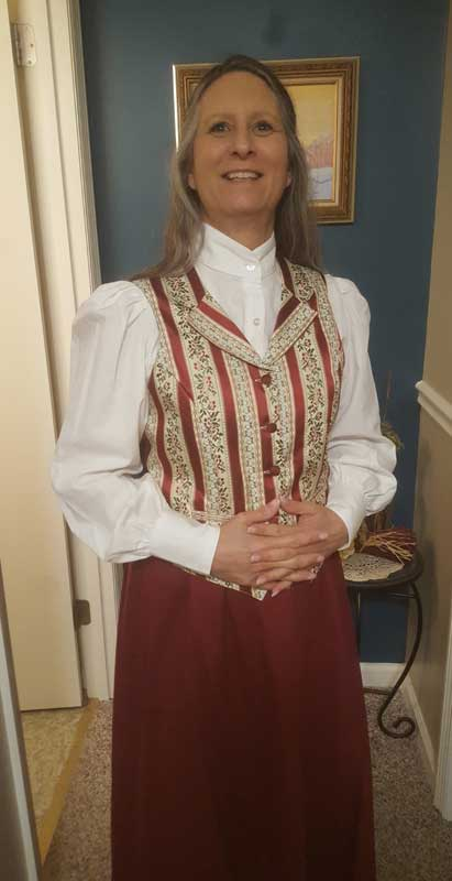 Customer photos wearing [Editors Pick] Mrs. Claus