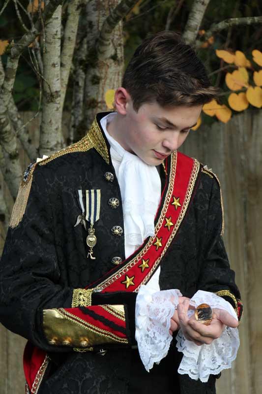Customer photos wearing [Editors Pick] Prince Charming