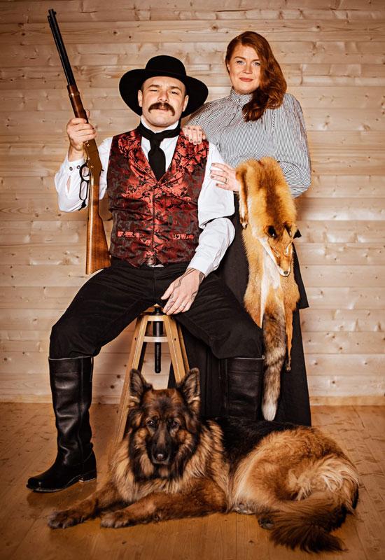 Customer photos wearing [Editors Pick] Newlyweds