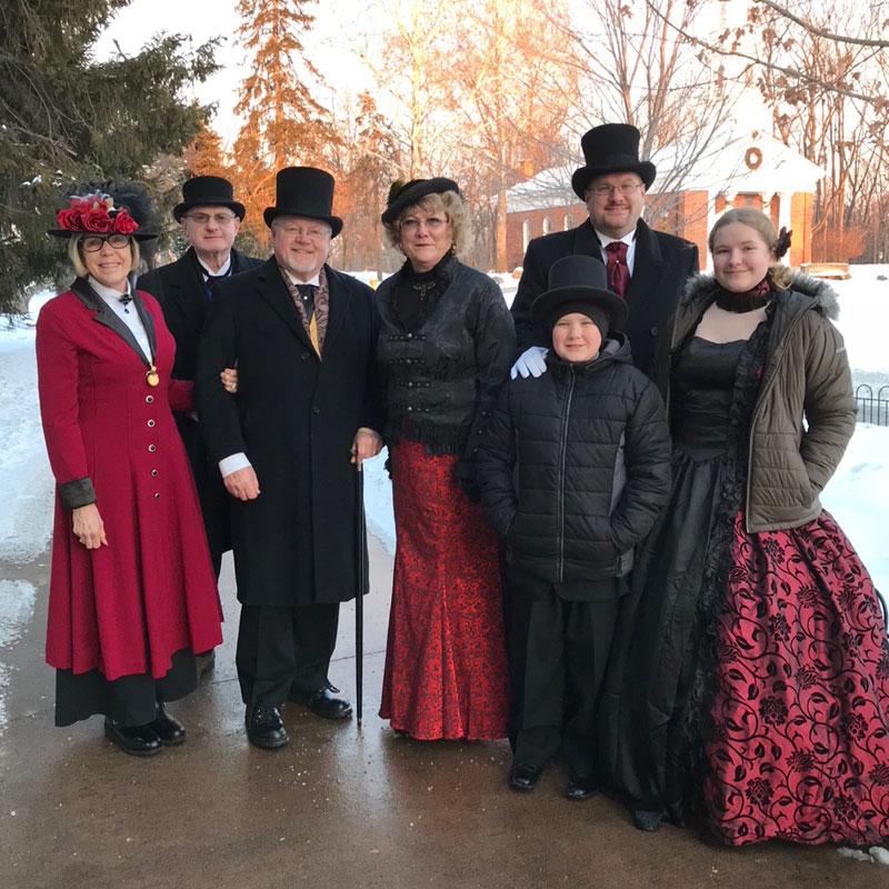 Customer photos wearing [Editors Pick] Family Christmas Fun